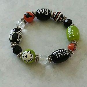 Adorable Halloween glass bead bracelet Pier 1